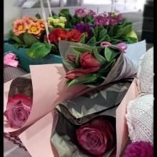 Virág Másképp egyszálas virágok díszítve