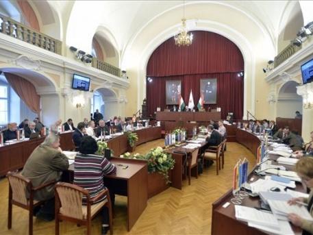 Munkában a Fővárosi Közgyűlés (fotó: MTI - Máthé Zoltán)