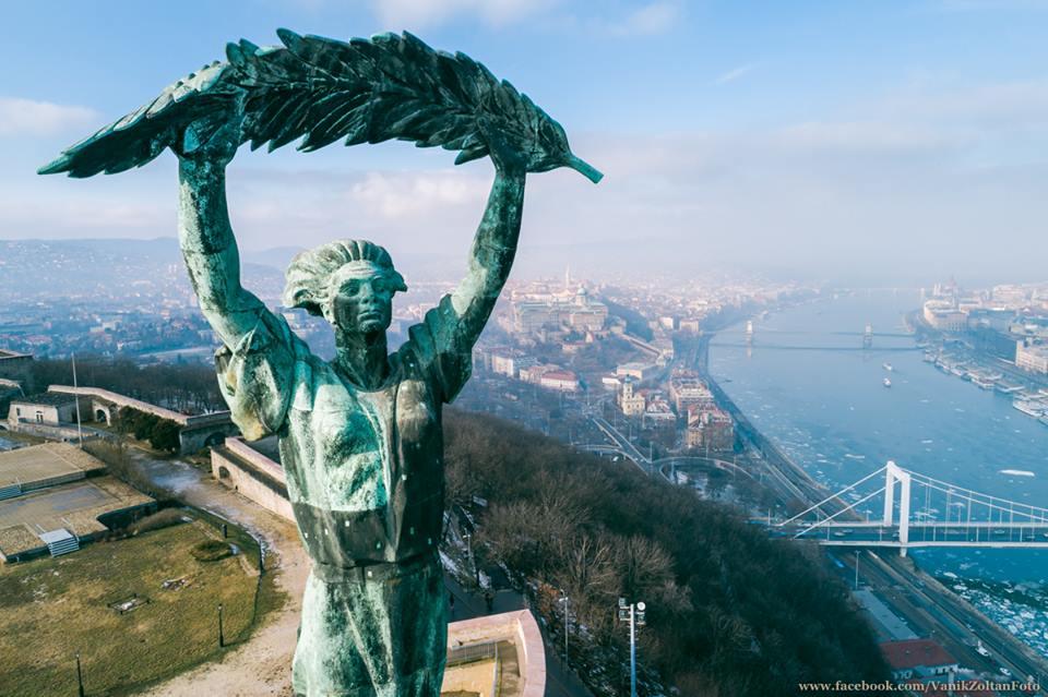 A Szabadság-szobor arca (fotó: Vanik Zoltán)