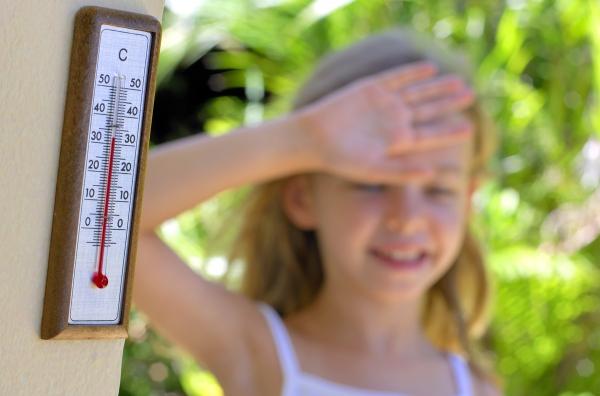 A gyerekeket, időseket megviselheti a meleg